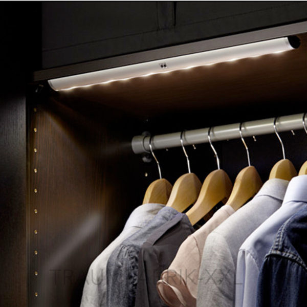 ikea norrfly 42cm schrankleuchte led lichtleiste warmwei nachfolger striberg traumfabrik xxl. Black Bedroom Furniture Sets. Home Design Ideas