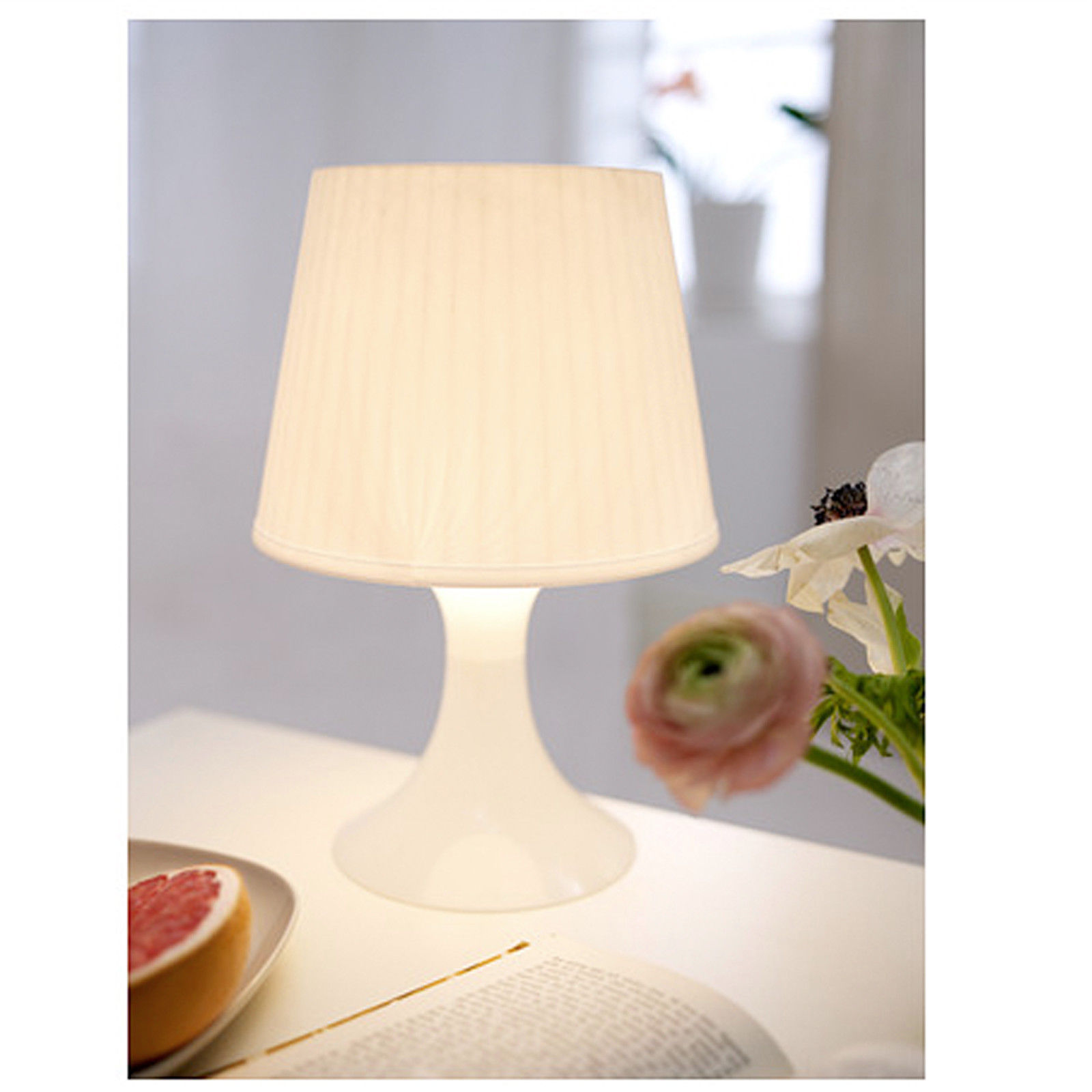 ikea lampan tischlampe wei nachttischlampe regalleuchte wohnzimmerleuchte neu traumfabrik xxl. Black Bedroom Furniture Sets. Home Design Ideas