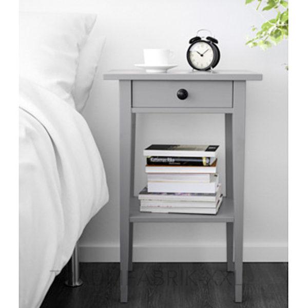 Ikea hemnes ablagetisch grau kommode nachttisch for Campingschrank ikea