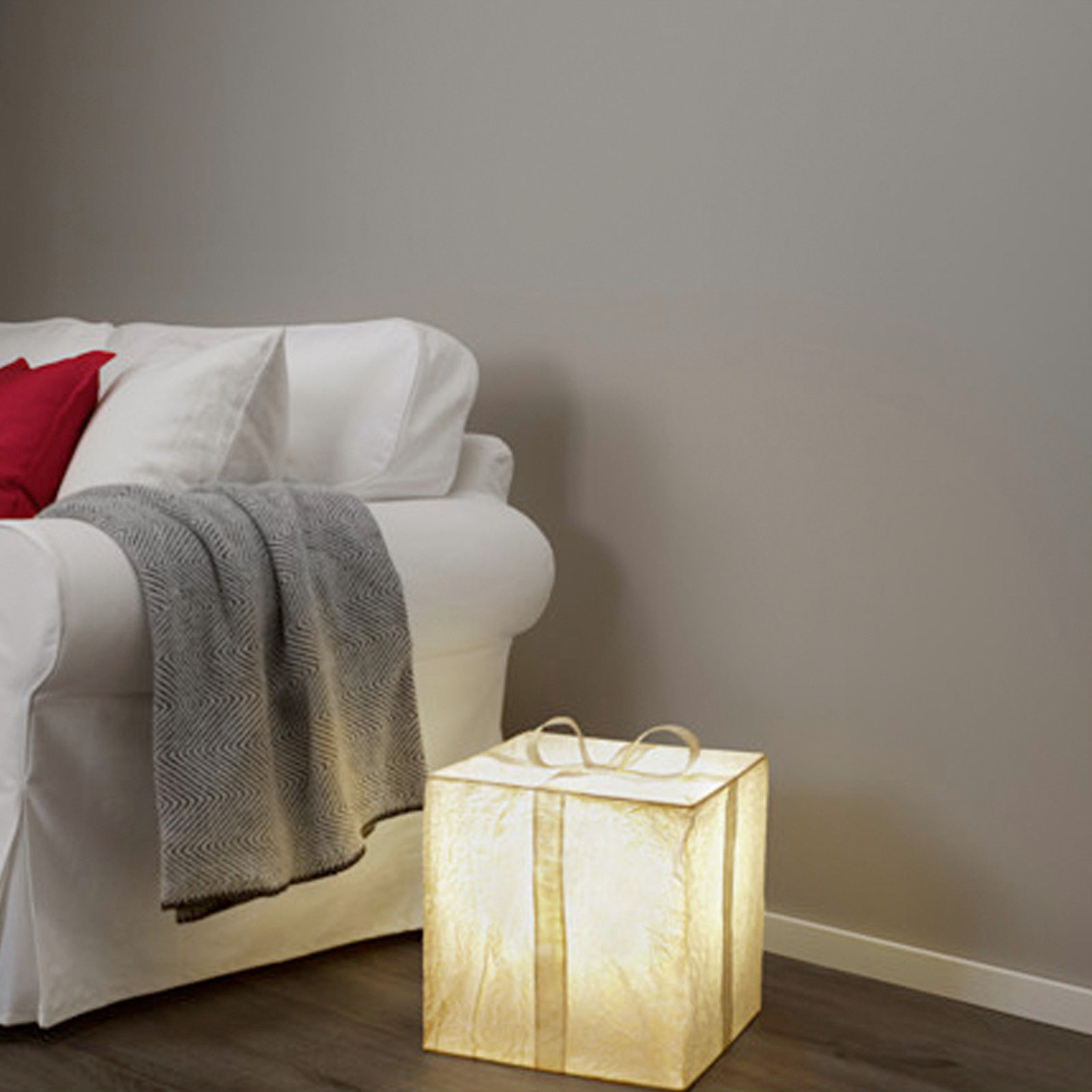 Ikea strala schachtel geschenk lampe led tischleuchte for Ikea dekoration